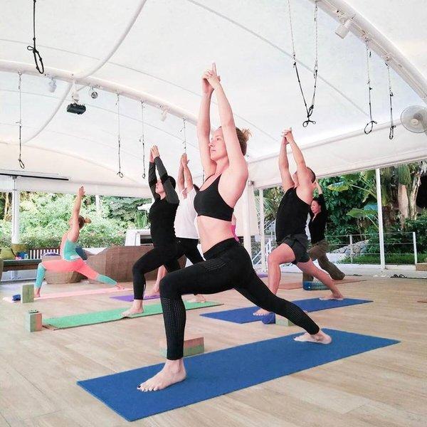 Santosa Yoga Lesson